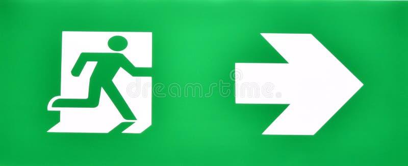 Notausgang-Eingangszeichen, von der Feuersituation zu entgehen stockfotografie
