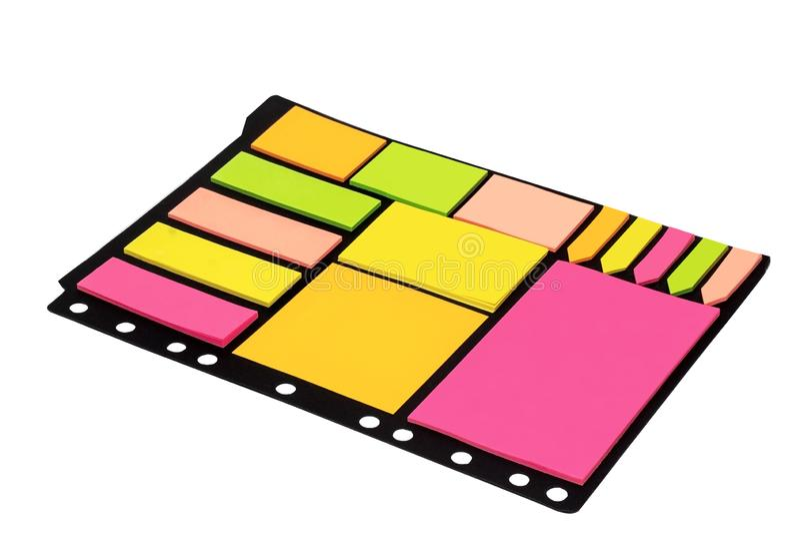 Note appiccicose di Olorful isolate su fondo bianco Articoli per ufficio immagine stock