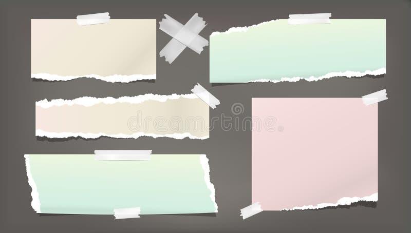 Note déchirée et déchirée colorée, bandes de papier grenues de carnet, coincées sur le fond foncé Illustration de vecteur illustration libre de droits