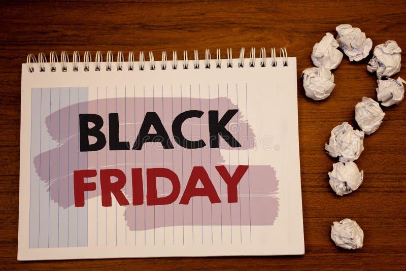 Note d'écriture montrant Black Friday Les photos d'affaires présentant des ventes spéciales après des achats de thanksgiving esco images libres de droits