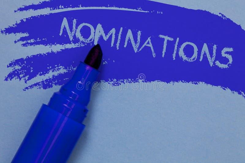Note d'écriture montrant des nominations Suggestions de présentation de photo d'affaires de quelqu'un ou de quelque chose pour un photo libre de droits