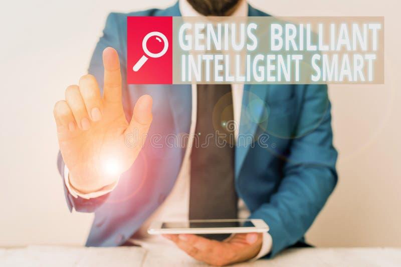 Note d'écriture montrant Génie brillant intelligent intelligent Photo d'entreprise présentant Clever Bright Knowledge Intelligenc image libre de droits