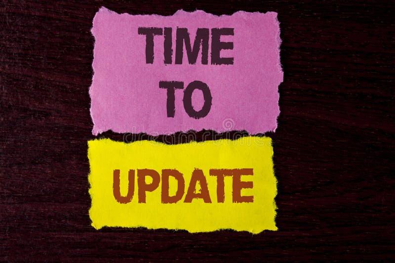Note d'écriture montrant l'heure de mettre à jour Le renouvellement de présentation de photo d'affaires mettant à jour des change image libre de droits