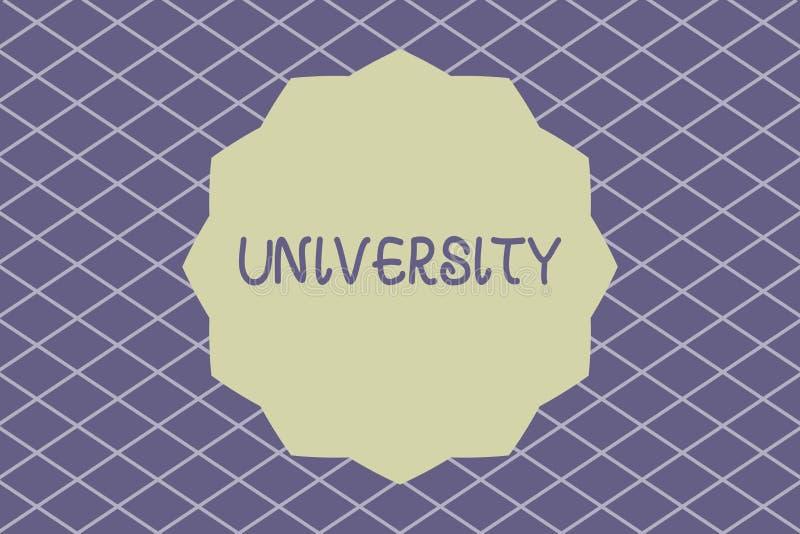 Note d'écriture montrant l'université La photo d'affaires présentant les étudiants de haut niveau d'établissement d'enseignement  illustration libre de droits
