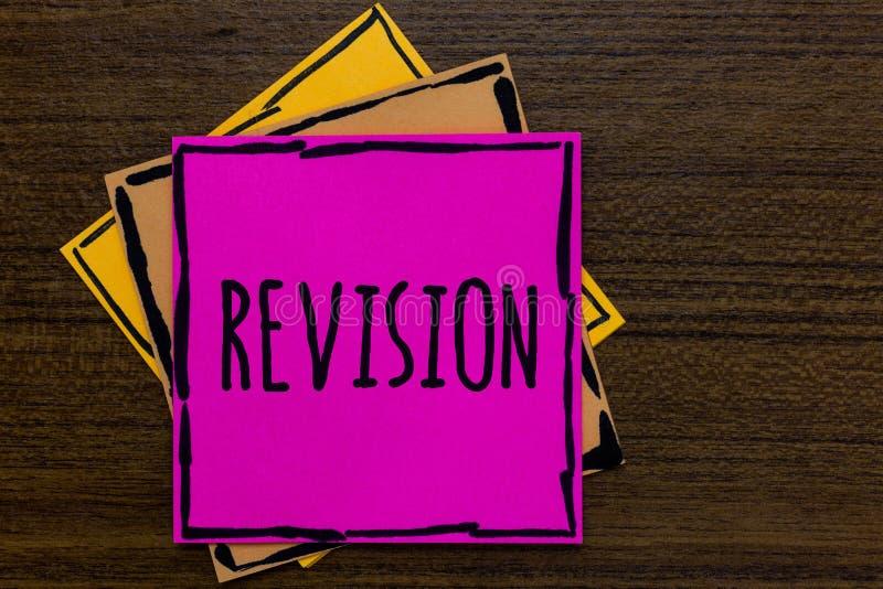 Note d'écriture montrant la révision Revérification de présentation de photo d'affaires avant l'art de marche à suivre de la prép image libre de droits