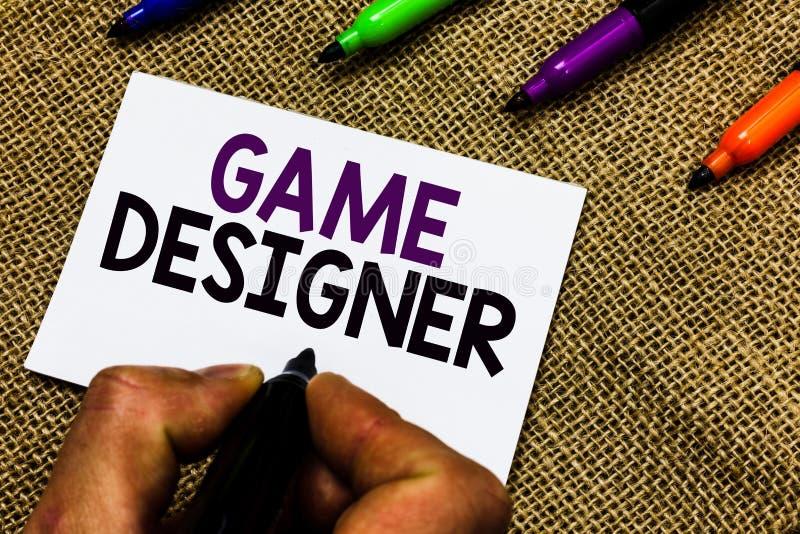 Note d'écriture montrant le concepteur de jeu Les graphiques Scripting de présentation des consoles de programmeurs de pixel de m image libre de droits