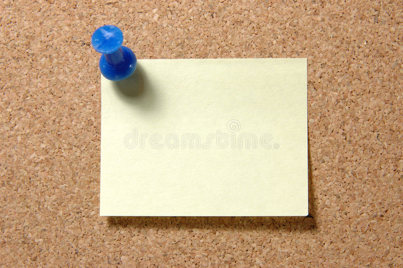 Note de post-it avec la punaise sur le corkboard photographie stock