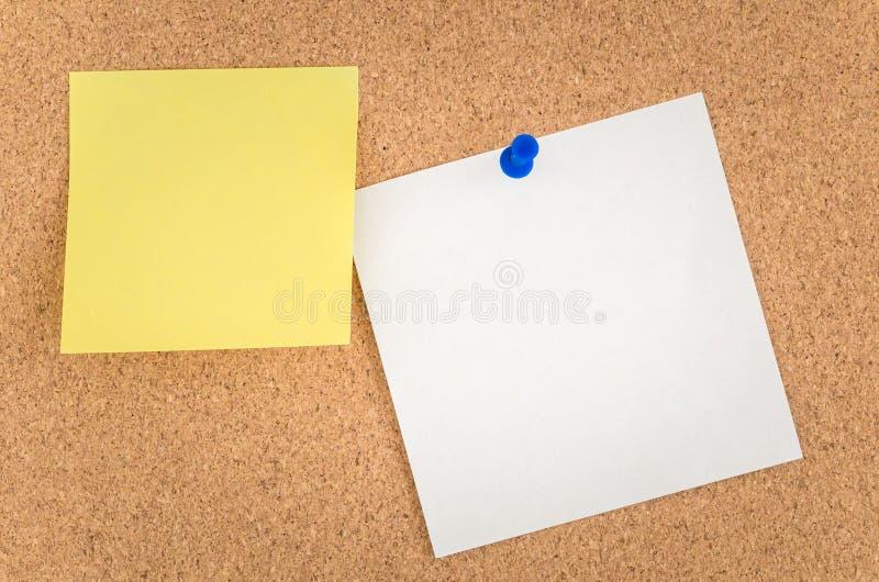 Note su un noticeboard immagine stock libera da diritti