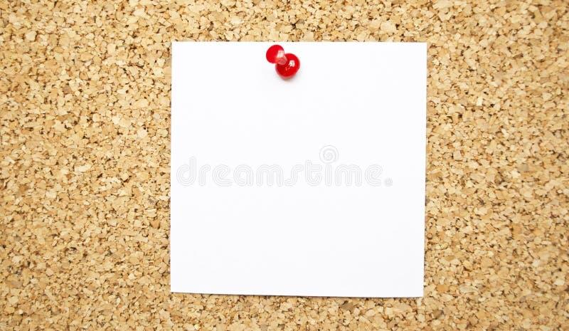Note vide de note sur le panneau de liège photo libre de droits