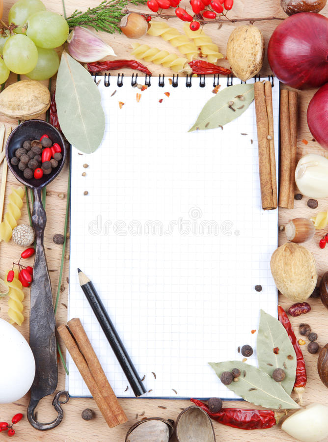Free Notebook For Recipes And Spices Stock Photo - 27721260