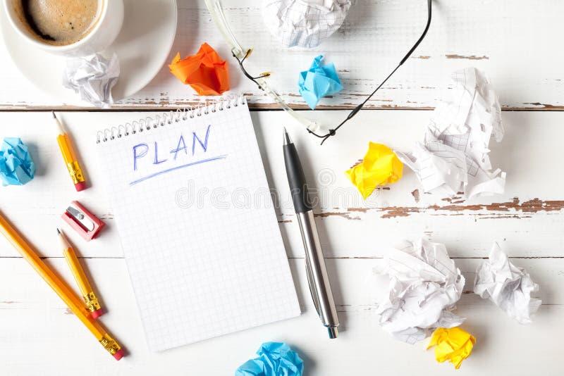Notepad com conceito de plano imagem de stock