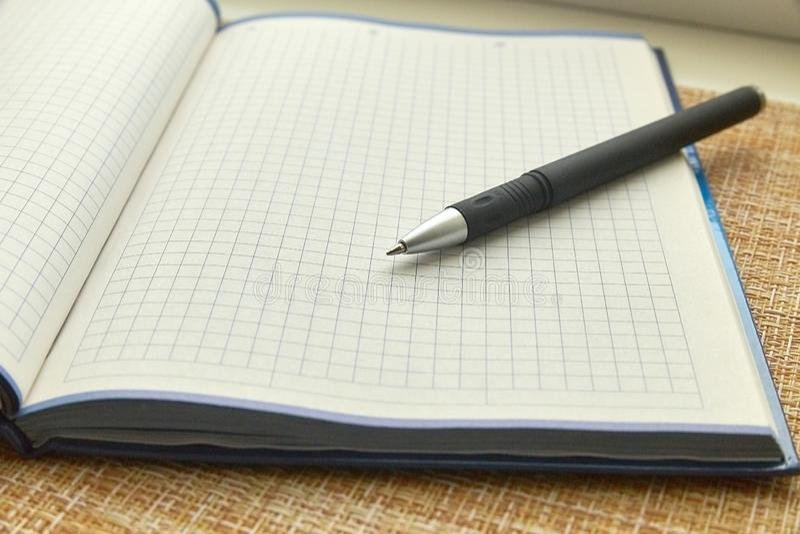 Notepad i pi?ro pusty arkusza papieru Biznes, biuro obrazy royalty free