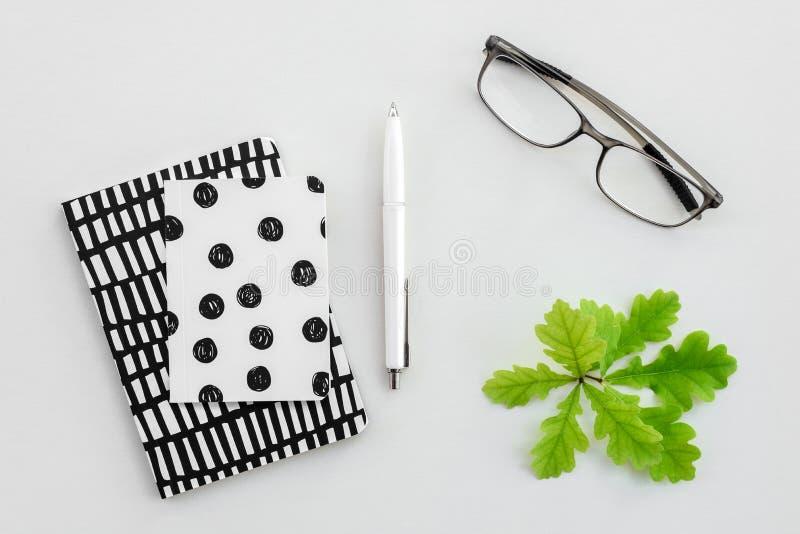 Notepads gotowi dla pisać zdjęcia royalty free