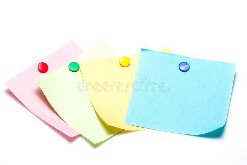 Notes collantes colorées avec la punaise photos libres de droits