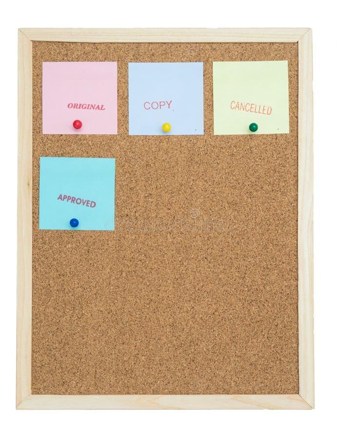 Notes collantes colorées sur des babillards/original/copie/cance de liège photo stock