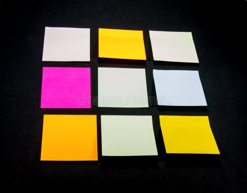 Notes de post-it colorées images libres de droits
