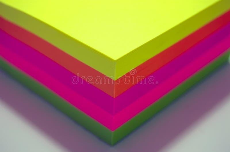 Notes de post-it colorées photos libres de droits