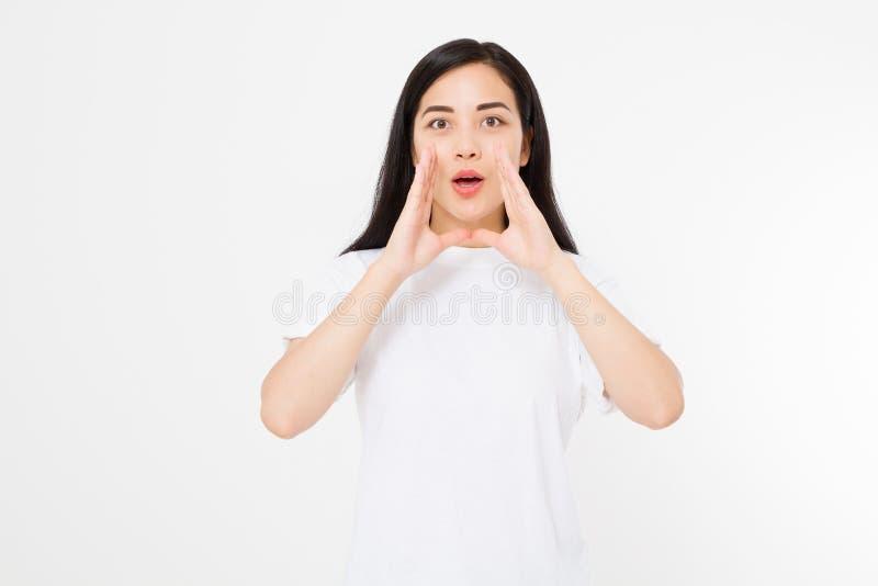 Noticias calientes de grito asiáticas japonesas de la mujer joven muchacha del chisme aislada en el fondo blanco Espacio en blanc foto de archivo libre de regalías