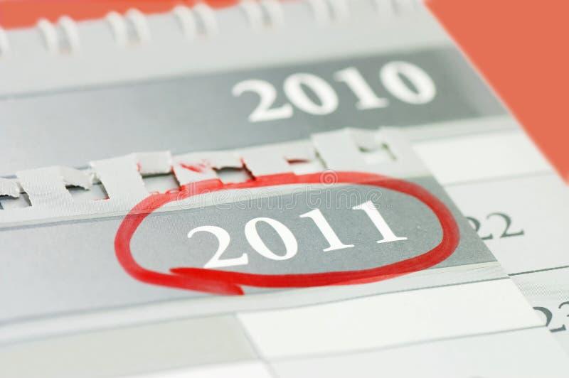Notiertes Datum an einem Kalender stockbild
