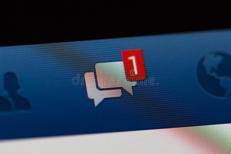 Notificación de Facebook de mensajes fotografía de archivo