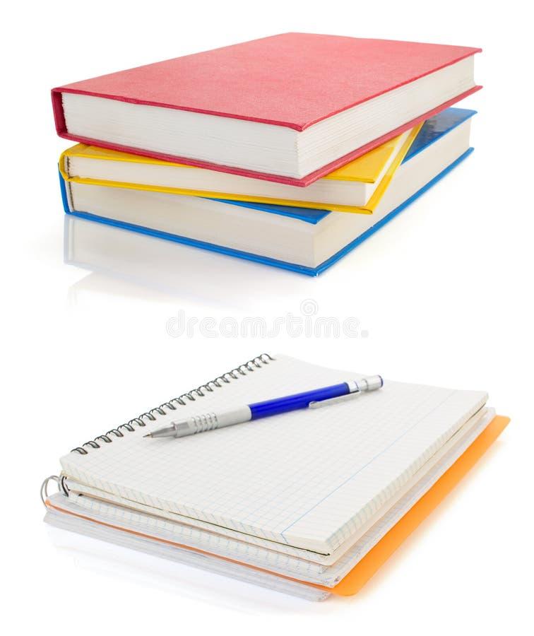 Notitieboekje en potlood dat op wit wordt geïsoleerdo stock afbeelding