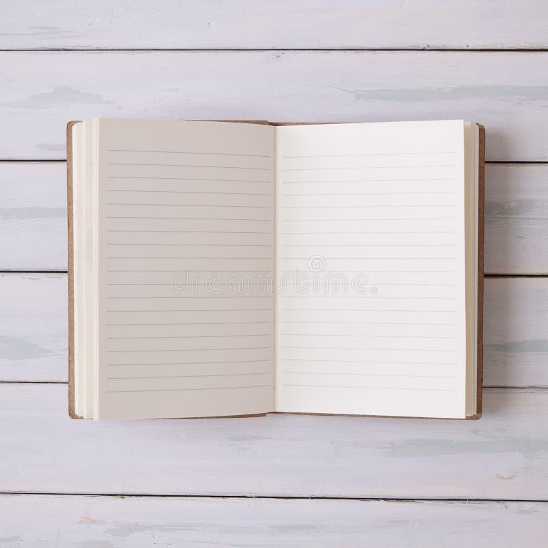 Notitieboekje op een Desktop stock fotografie