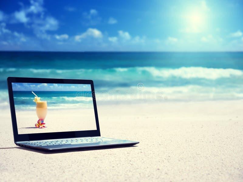 Notitieboekje op het strand royalty-vrije stock foto's