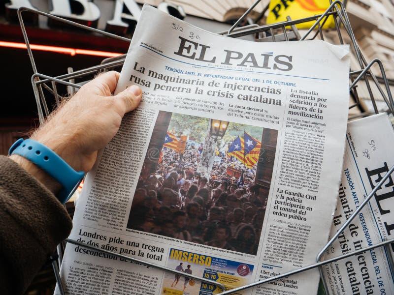 Notizie di EL Pis che riferiscono circa il referend di protesta e della guardia civile immagine stock libera da diritti