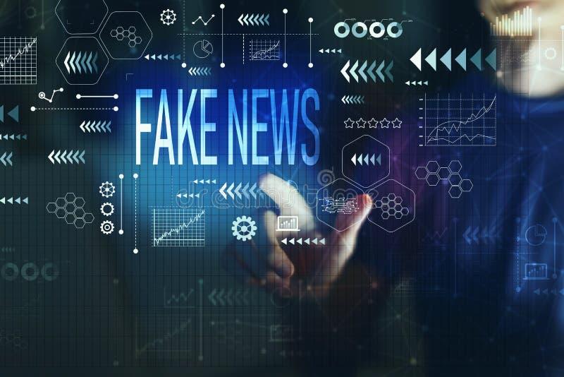 Notizie false con il giovane immagine stock libera da diritti