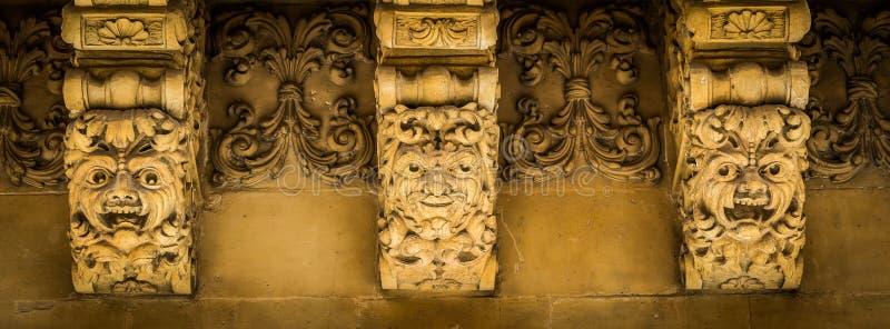NOTO, ИТАЛИЯ - деталь барочного балкона, 1750 стоковое изображение rf