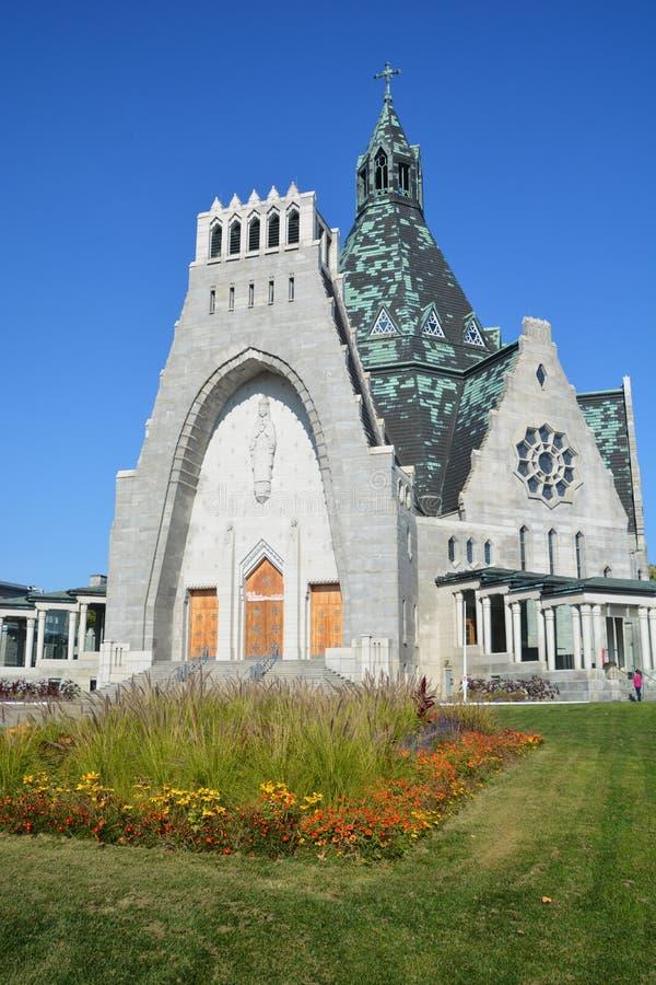 Notre贵妇人du盖帽大教堂的细节  免版税库存照片