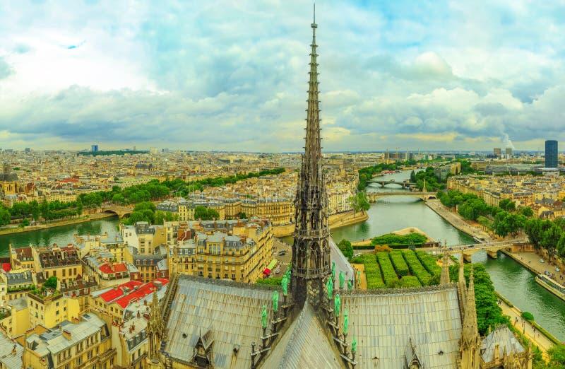 Notre Damae iglica zdjęcie royalty free