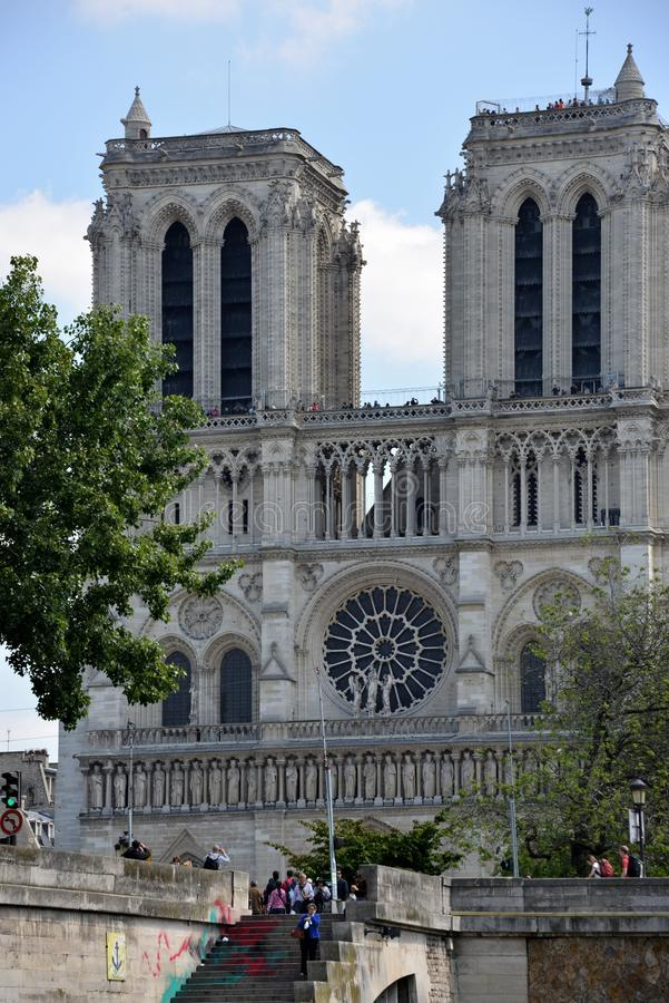 Download Notre Dame imagen editorial. Imagen de viejo, exterior - 41905560