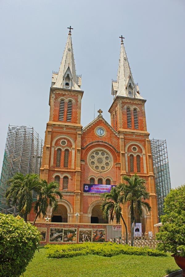 Notre_ Dame Cathedral Basilica av Saigon Vietnam royaltyfria foton
