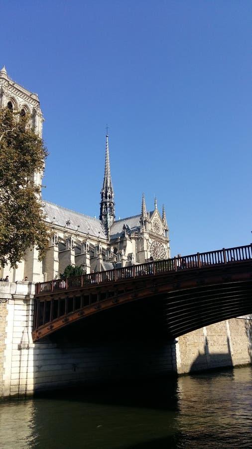 Notre Dame Cathedral, vue de Siena River images libres de droits