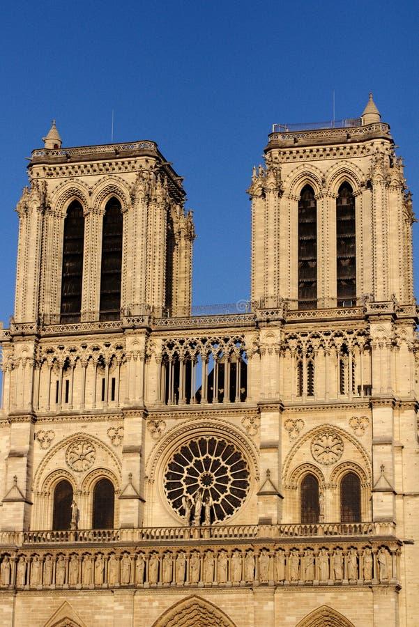 Notre Dame Cathedral West fasaddomkyrka av vår dam av Paris, Frankrike arkivfoton
