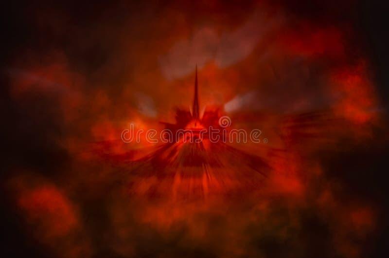 Notre-Dame conceptuelle en fumée et feu rouges images stock