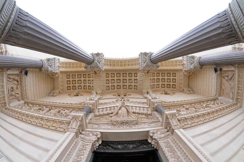 Notre Dame de Fourviere in Lyon lizenzfreie stockfotos