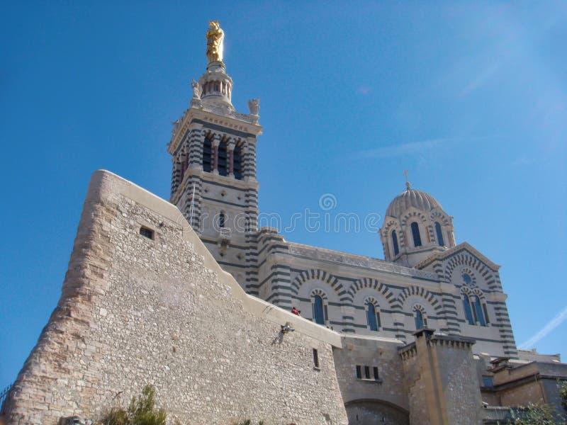 Notre Dame de la guarde katolskt basilic i marseilles, Frankrike royaltyfria foton