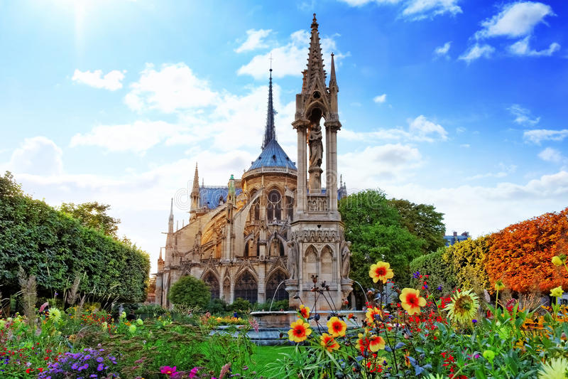 Notre Dame de Paris royaltyfri bild