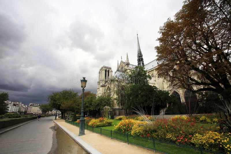 Download Notre Dame de Paris photo stock. Image du gothique, monument - 45352646