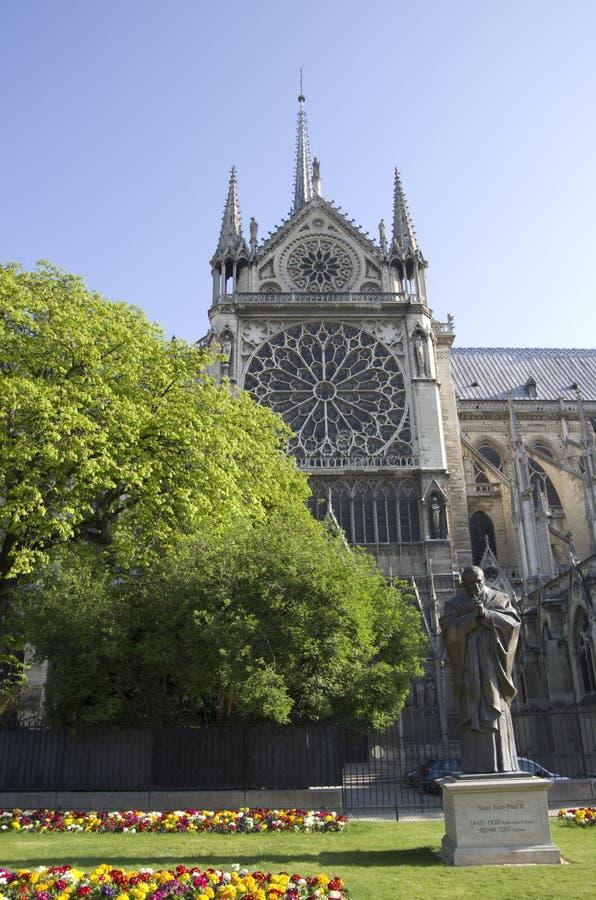 Download Notre-Dame de Paris redaktionelles stockbild. Bild von kirche - 90227674