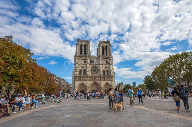 Notre Dame de Paris Chatedral en París, Francia foto de archivo