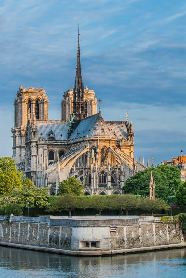 Notre Dame de Paris et la Seine France image stock
