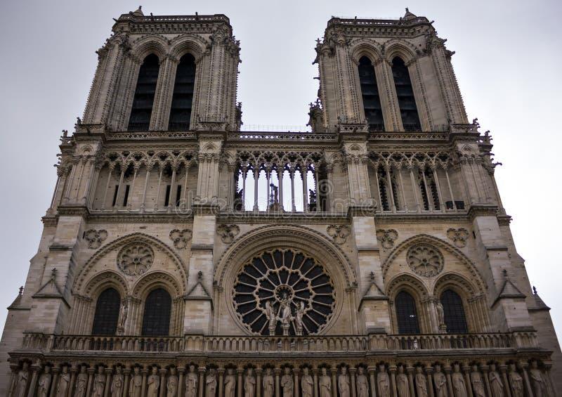 Notre Dame de Paris, fachada da catedral, Fran?a, o 25 de junho de 2013 fotos de stock royalty free