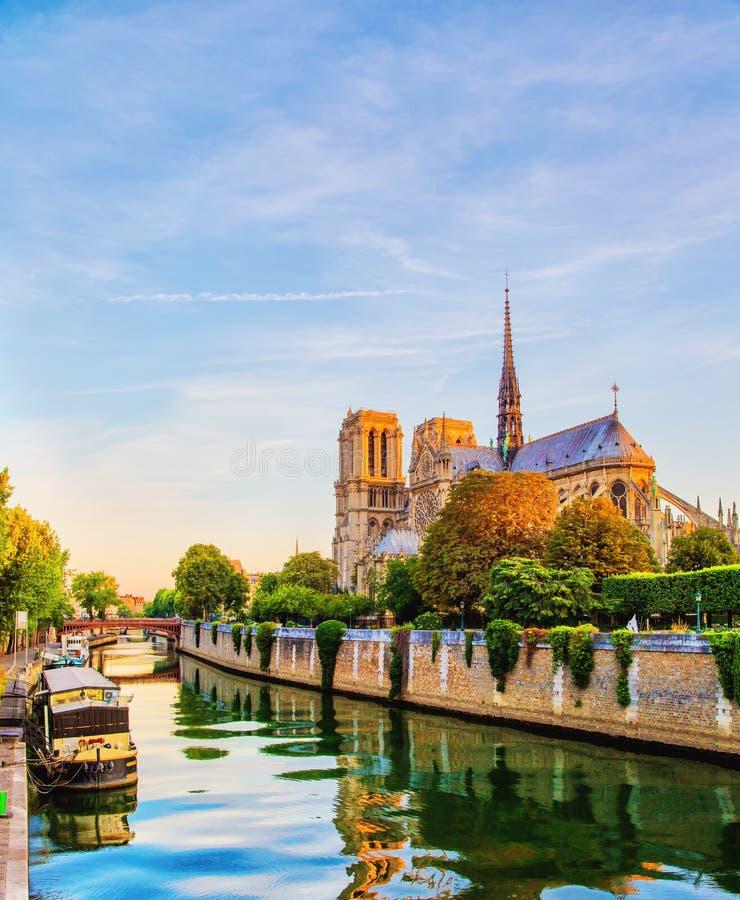 Notre Dame de Paris - France images stock