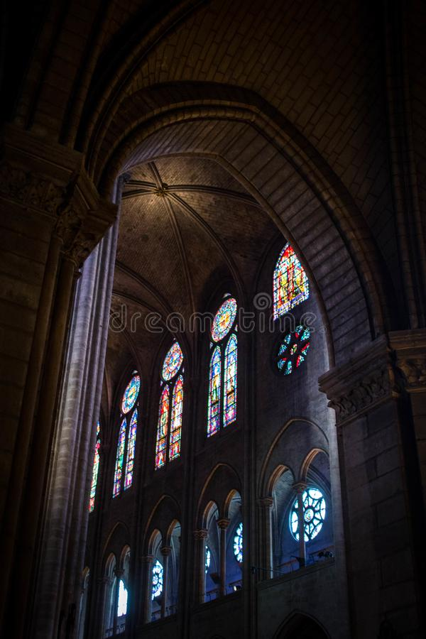 Notre Dame de Paris Inside 2 fotografering för bildbyråer