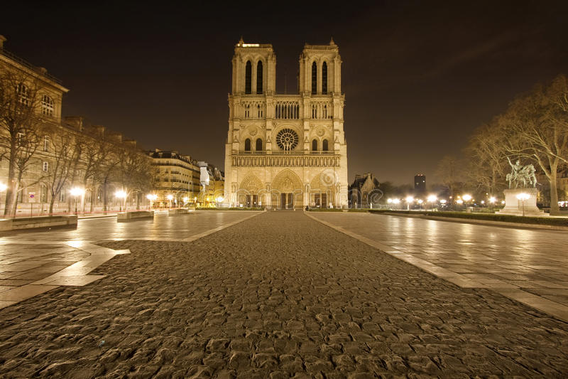 Notre Dame de Paris zonder mensen stock afbeeldingen