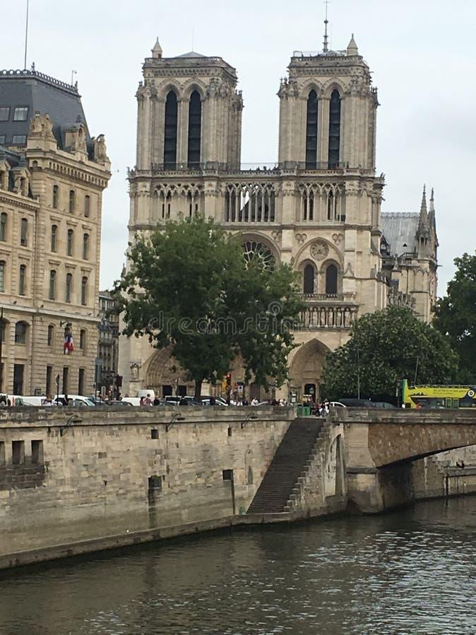 Download Notre Dame domkyrka arkivfoto. Bild av medeltida, landmark - 106828890