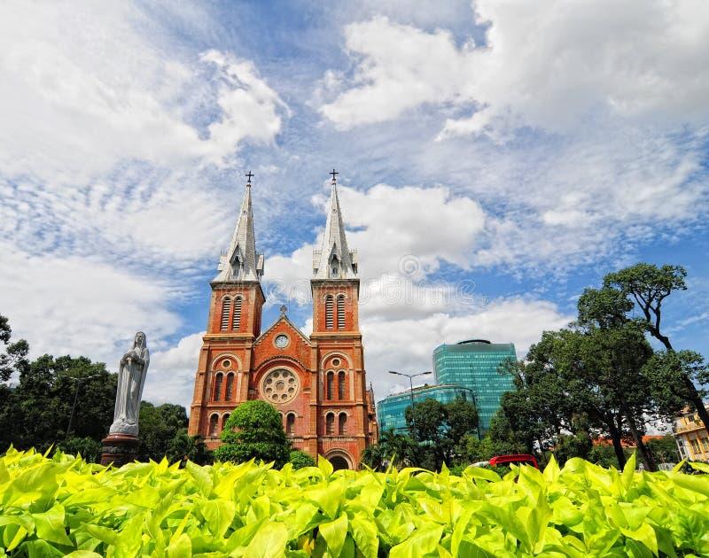 Notre-Dame domkyrka i Ho Chi Minh City, Vietnam fotografering för bildbyråer